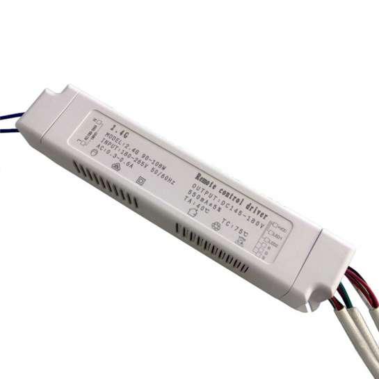 Boitier d'alimentation pour barrette LED RGBW à courant constant de 90 à 108 watts