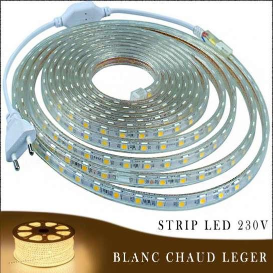 Strip LED 230 volts blanc chaud léger en rouleau de 25, 50 ou 100 mètres