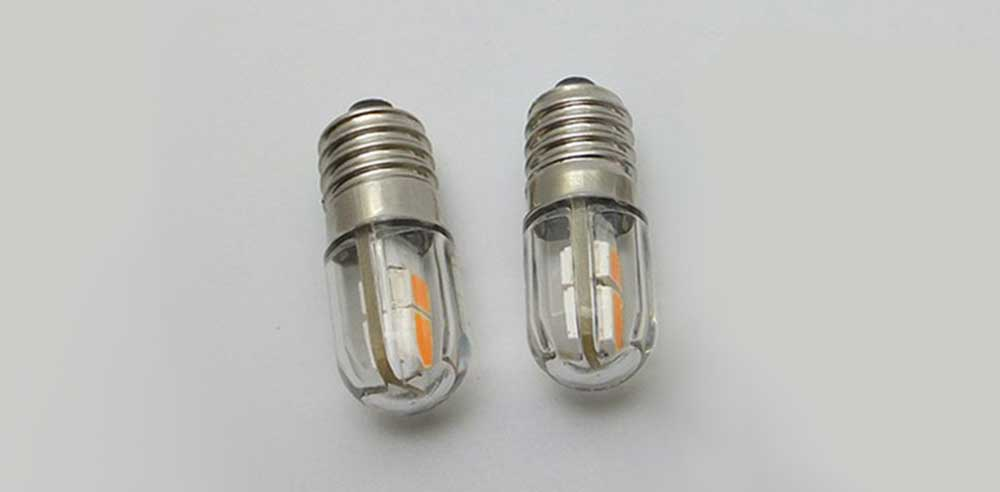 Ampoule-E10 quatre LED SMD 2835 in