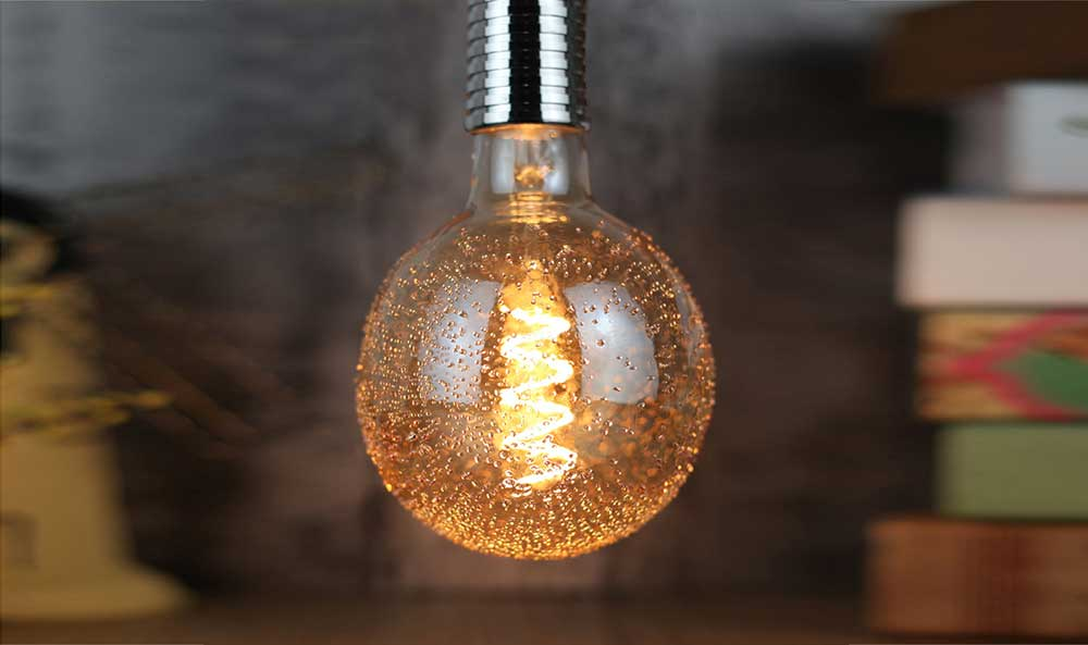 Ampoule LED sphérique Globe filament LED Perlée G125 - 5 watts - E27