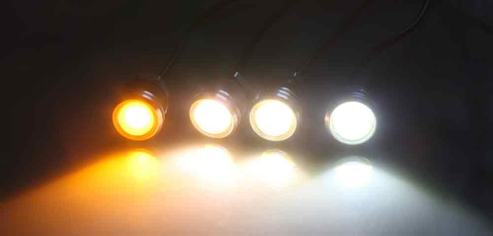 Spot LED montée sur un manchon fileté M10 au pas de 1.5mm