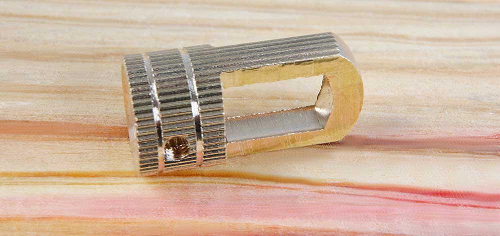 Anneau de suspension laiton usiné dans la masse moleté à taraudage M10