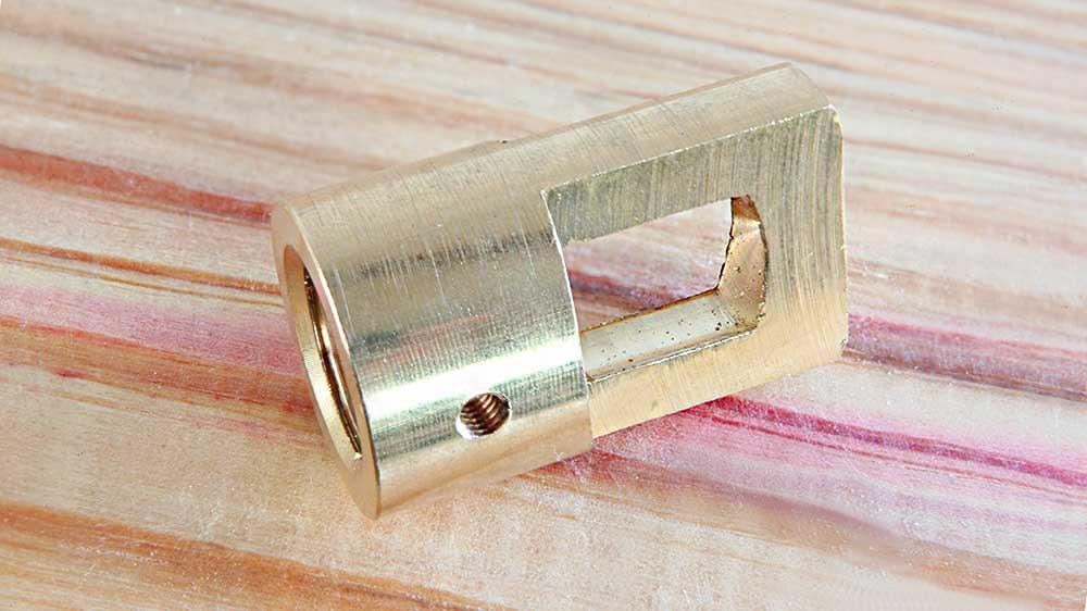 Anneau de suspension laiton usiné dans la masse taraudage M16 finition brute lisse
