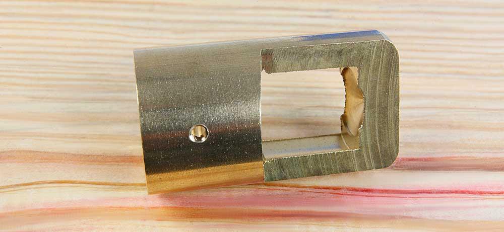 Anneau de suspension laiton usiné dans la masse taraudage M26 finition brute lisse